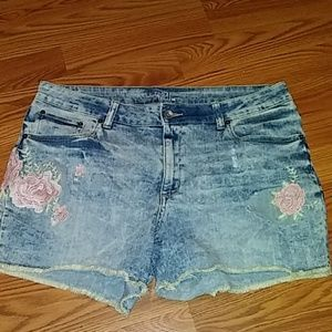 Time and Tru jean shorts size 16
